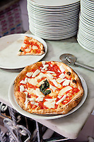 Ristorante e Pizzeria Bellini, serving popular street food - Pizza al Portofoglio, Naples, Italy
