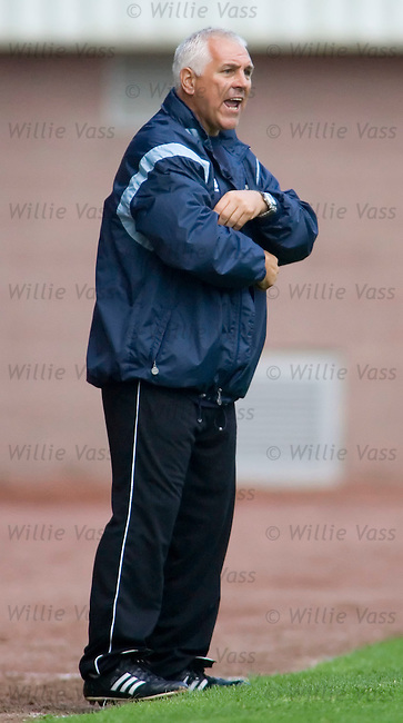 Graham Roberts, Clyde manager.stock season 2005-2006.pic willie vass