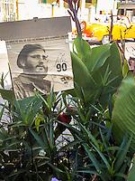 HAVANA-CUBA-09.10.2016 - Cartaz em homenagem ao aniversário de 90 anos do ditator cubando Fidel Castro em rua de Havana. (Foto: Bete Marques/Brazil Photo Press)