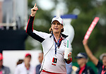DES MOINES, IA - AUGUST 18: USA Captain Juli Inkster revs the crowd up at the 2017 Solheim Cup in Des Moines, IA. (Photo by Dave Eggen/Inertia)