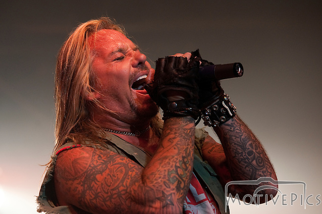 Vince Neil playing at Black Diamond Harley Davidson.