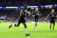 Semesa Rokoduguni of England runs in a second try. Old Mutual Wealth Series International match between England and Fiji on November 19, 2016 at Twickenham Stadium in London, England. Photo by: Patrick Khachfe / Onside Images