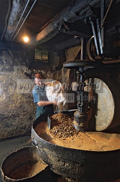 Europe/France/Aquitaine/24/Dordogne/Périgord/Périgord Noir/Sainte-Nathalene: Le moulin de la tour - Moulin à huile de noix