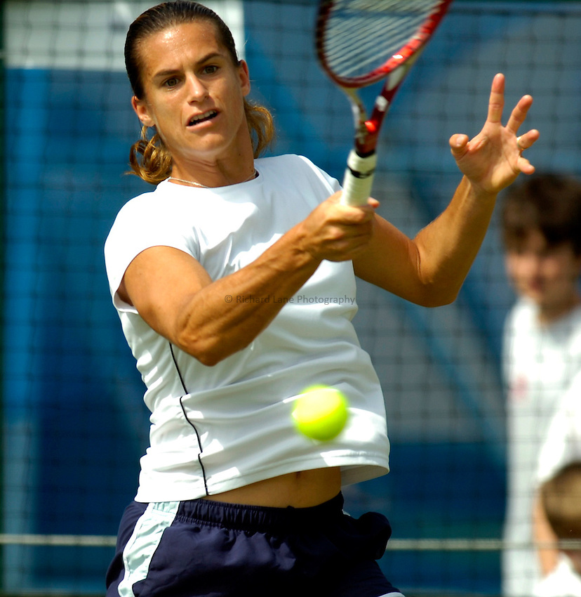 Photo: Alan Crowhurst..WTA The Hastings Direct International Championships, Eastbourne. 19/06/2006. Amelie Mauresmo of France on the practice courts.