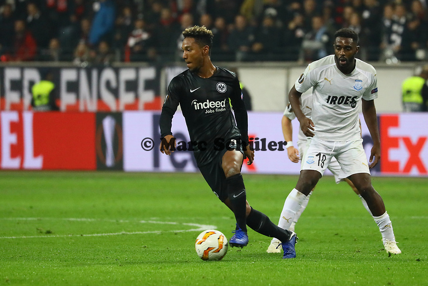 Jonathan de Guzman (Eintracht Frankfurt) gegen Mustapha Carayol (Apollon Limassol FC) - 25.10.2018: Eintracht Frankfurt vs. Apollon Limassol FC, Commerzbank Arena, Europa League 3. Spieltag, DISCLAIMER: DFL regulations prohibit any use of photographs as image sequences and/or quasi-video.