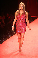 FERGIE 2006<br /> THE HEART TRUTH''  RED DRESS COLLECTION FASHION SHOW AT BRYANT PARK<br /> Photo By John Barrett/PHOTOlink.net