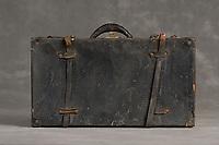 Willard Suitcases / Carrie M / ©2014 Jon Crispin