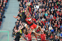 Stuart Hooper of Bath Rugby competes with Jocelino Suta of Toulon for the ball at a lineout. European Rugby Champions Cup match, between RC Toulon and Bath Rugby on January 10, 2016 at the Stade Mayol in Toulon, France. Photo by: Patrick Khachfe / Onside Images