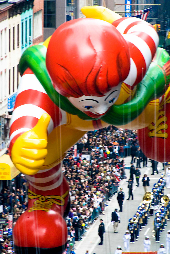 2009 Macy's Thanksgiving Parade viewed from Sixth Avenue, 8th floor, between 34th and 35th Streets.