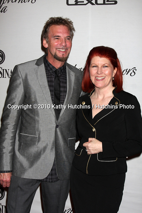 LOS ANGELES - NOV 18:  Kenny Loggins, Kate Flannery arrives at the 2010 Cedars-Sinai Board Of Governors Gala at Century Plaza Hyatt Regency Hotel on November 18, 2010 in Century City, CA