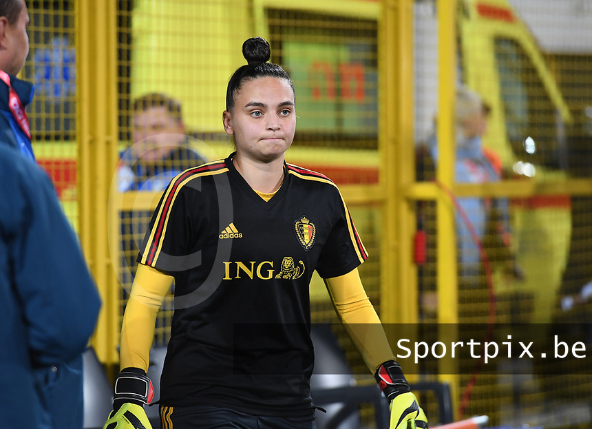 20191108 - Zapresic , BELGIUM : Belgian Nicky Evrard pictured during the female soccer game between the womensoccer teams of  Croatia and the Belgian Red Flames , the third women football game for Belgium in the qualification for the European Championship round in group H for England 2021, friday 8 th october 2019 at the NK Inter Zapresic stadium near Zagreb , Croatia .  PHOTO SPORTPIX.BE | DAVID CATRY