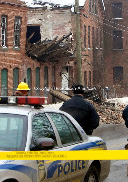 WATERBURY, CT. 05 February 2011-020511SV06--Part of a building on North Elm Street collapsed under the weight of snow and ice in Waterbury Saturday. The building was unoccupied.<br /> Steven Valenti Republican-American