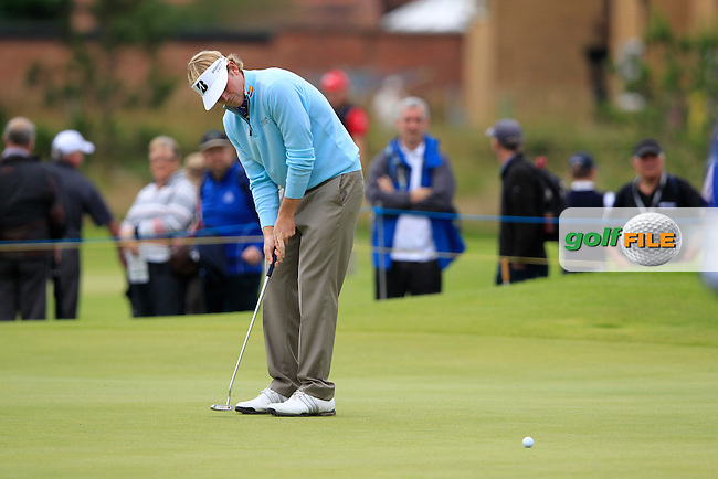 Brandt Snedeker (USA) takes his putt on the 4th green during Friday's Round 2 of the 141st Open Championship at Royal Lytham & St.Annes, England 20th July 2012 (Photo Eoin Clarke/www.golffile.ie)