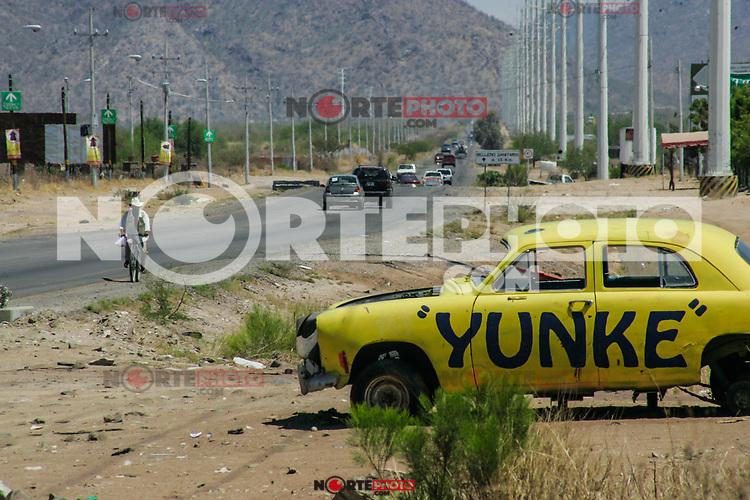 Yunke,  bulevar Solidaridad final. Auto chatarra. Auto abandonado