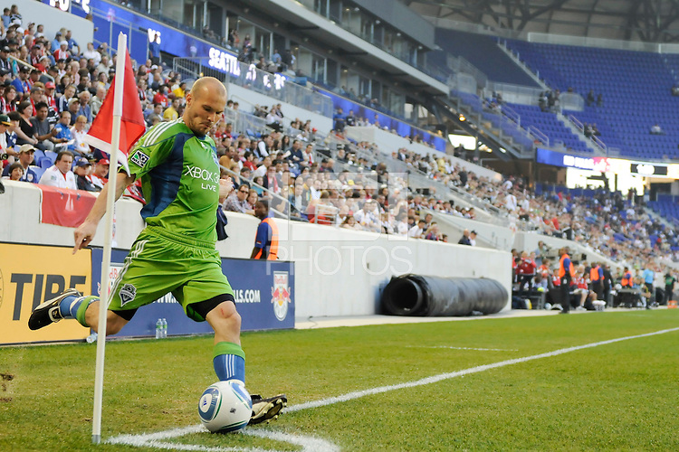 Freddie Ljungberg (10) of the Seattle Sounders takes a corner kick. The Seattle Sounders defeated the New York Red Bulls 1-0 during a Major League Soccer (MLS) match at Red Bull Arena in Harrison, NJ, on May 15, 2010.