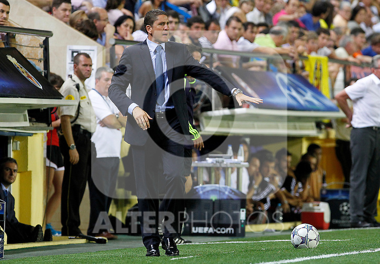 Villareal CF's coach Juan Carlos Garrido during UEFA Champions League match.September 14,2011.(ALTERPHOTOS/Acero)