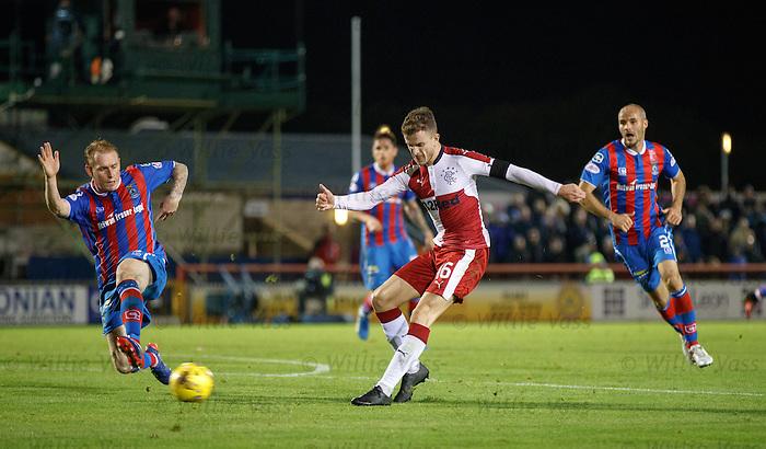 Andy Halliday has a shot