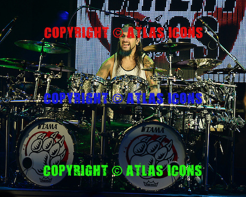 FORT LAUDERDALE, FL - OCTOBER 16: Mike Portnoy of The Winery Dogs performs at The Culture Room on October 16, 2015 in Fort Lauderdale Florida. Credit Larry Marano © 2015