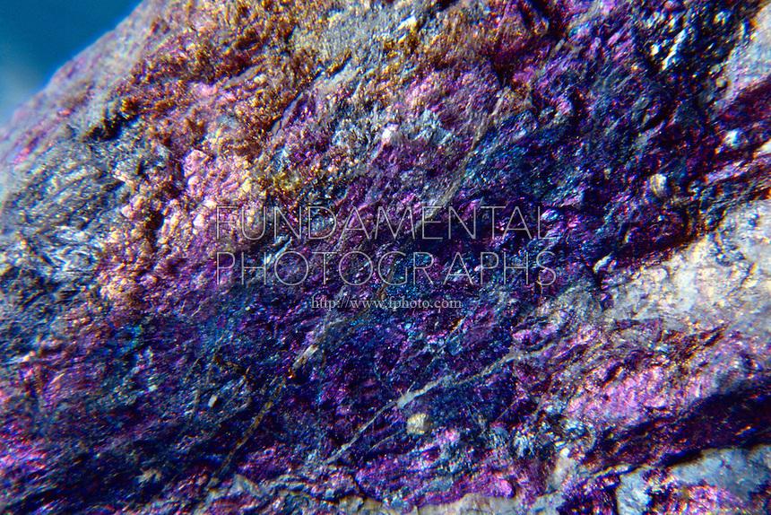 BISMUTHINITE (Bi2S3) Sulfide of Bismuth