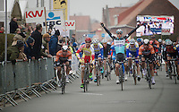 bunch sprint winner: Gianni Meersman (BEL/Ettix-Quickstep)<br /> <br /> Handzame Classic 2015