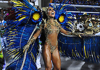 Dancer Sabrina Sato, Queen of Percussion of Vila Isabel samba school,l performs during parade at the Sambadrome, Rio de Janeiro, Brazil, March 3, 2014.  (Austral Foto/Renzo Gostoli)