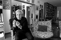 Israeli writer A.B. Yehoshua,  Israeli in his house in Haifa. Photo by Quique Kierszenbaum