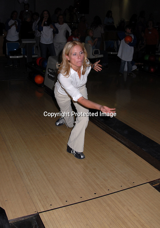 "Beth Chamberlin ..at The ""Daytime Stars and Strikes"" Bowling event on ..October 15, 2006 at The Leisure Time Bowling Center..at The Port Authority which benefitted The American Cancer Society. ..Robin Platzer, Twin Images"