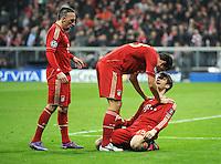 FUSSBALL   CHAMPIONS LEAGUE   SAISON 2011/2012   ACHTELFINALE RUECKSPIEL     13.03.2012 FC Bayern Muenchen - FC Basel        JUBEL nach dem TOR, Franck Ribery, Mario Gomez mit Thomas Mueller (v. li., FC Bayern Muenchen)