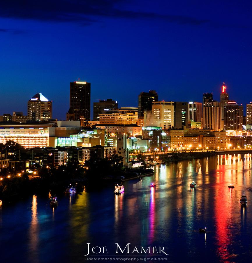 Saint Paul skyline at night.