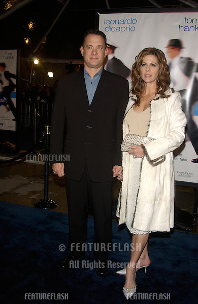 Actor TOM HANKS & actress wife RITA WILSON at the Los Angeles premiere of his new movie Catch Me If You Can..16DEC2002.   © Paul Smith/Featureflash