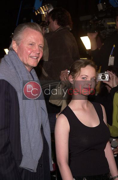 Jon Voight and Thora Birch