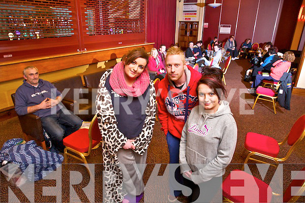 Garth Brooks tickets go on sale Thursday morning. A que has started at the INEC Killarney on Tueday night Monica Lucey, Declan Moore and Lisa Lane were one of the first in line at the INEC killarney on Wednesday.