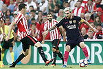 Athletic de Bilbao's Javi Eraso (l) and FC Barcelona's Leo Messi during La Liga match. August 28,2016. (ALTERPHOTOS/Acero)