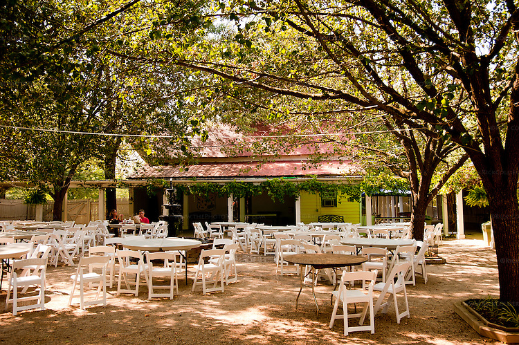 Ingleside Plantation Winery features a large shaded courtyard where one can sit to lunch, snack, or just taste the wine.