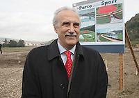 NAPOLI, 11/04/2013 LE AREE DELL'EX ITALSIDER E DELL'EX ETERNIT DI BAGNOLI SONO STATE SEQUESTRATE DAI CARABINIERI NELL'AMBITO DI UN'INDAGINE DELLA PROCURA CHE IPOTIZZA IL REATO DI DISASTRO AMBIENTALE. ..NELLA FOTO D'ARCHIVIO ROCCO PAPA. FOTO DE LUCA .