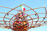 Milano 2 maggio 2015<br /> EXPO 2015. Particolare della sommità dell'albero della vita con la bandiera italiana.<br /> EXPO 2015. Detail of the top of the tree of life with the Italian flag.<br /> Photo Livio Senigalliesi