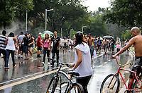 SAO PAULO, SP, 25 DE JANEIRO DE 2012 - MOVIMENTACAO PARQUE IBIRAPUERA - <br /> Populares aproveitam o feriado de aniversario da cidade nesta quarta-feira (25) no Parque do Ibirapuera, na região sul da capital paulista. (FOTO: MILENE CARDOSO - NEWS FREE).