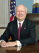 Washington, D.C. - OFFICIAL PORTRAIT OF U.S. SECRETARY OF ENERGY SAMUEL W. BODMAN -- Samuel Wright Bodman was sworn in as the 11th Secretary of Energy on February 1, 2005 after the United States Senate unanimously confirmed him on January 31, 2005.   He leads the Department of Energy with a budget in excess of $23 billion and over 100,000 federal and contractor employees.  Previously, Secretary Bodman served as Deputy Secretary of the Treasury beginning in February 2004.   He also served the Bush Administration as the Deputy Secretary of the Department of Commerce beginning in 2001. A financier and executive by trade, with three decades of experience in the private sector, Secretary Bodman was well suited manage the day-to-day operations of both of these cabinet agencies.<br /> Born in 1938 in Chicago, he graduated in 1961 with a B.S. in chemical engineering from Cornell University. In 1965, he completed his ScD at Massachusetts Institute of Technology. For the next six years he served as an Associate Professor of Chemical Engineering at MIT and began his work in the financial sector as Technical Director of the American Research and Development Corporation, a pioneer venture capital firm. He and his colleagues provided financial and managerial support to scores of new business enterprises located throughout the United States.  From there, Secretary Bodman went to Fidelity Venture Associates, a division of the Fidelity Investments. In 1983 he was named President and Chief Operating Officer of Fidelity Investments and a Director of the Fidelity Group of Mutual Funds. In 1987, he joined Cabot Corporation, a Boston-based Fortune 300 company with global business activities in specialty chemicals and materials, where he served as Chairman, CEO, and a Director. Over the years, he has been a Director of many other publicly owned corporations.<br /> Secretary Bodman has also been active in public service. He is a former Director of M.I.T.'s School of Engineering Practice an