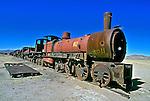 Cemitério de trens em Uyuni. Bolívia. 1998. Foto de Juca Martins.