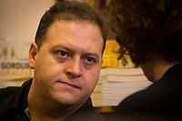 SÃO PAULO, SP, 27.04.2017- LIVRO-SP- Juan Pablo Escobar, filho do narcotraficante colombiano, Pablo Escobar, durante o lançamento do seu livro, na livraria da Vila, que fica no bairro da Vila Madalena na zona oeste de São Paulo, na noite desta quinta-feira, (27). (Foto: Danilo Fernandes/Brazil Photo Press)