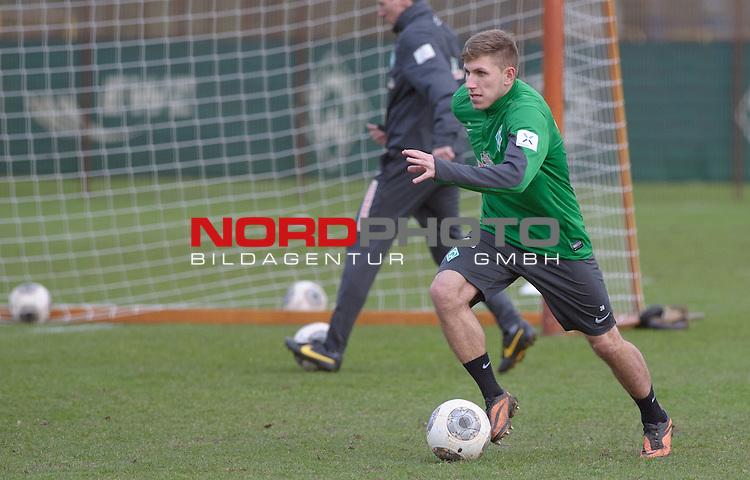 10.02.2014, Trainingsgelaende, Bremen, GER, 1.FBL, Training Werder Bremen, im Bild Levent Aycicek (Bremen #28)<br /> <br /> Foto &copy; nordphoto / Frisch