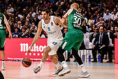22nd March 2018, Wizink Centre, Madrid, Spain; Turkish Airlines Euroleague Basketball, Real Madrid versus Zalgiris Kaunas; Felipe Reyes (Real Madrid Baloncesto) brings the ball foward past Aaron White (Zalgiris Kaunas)