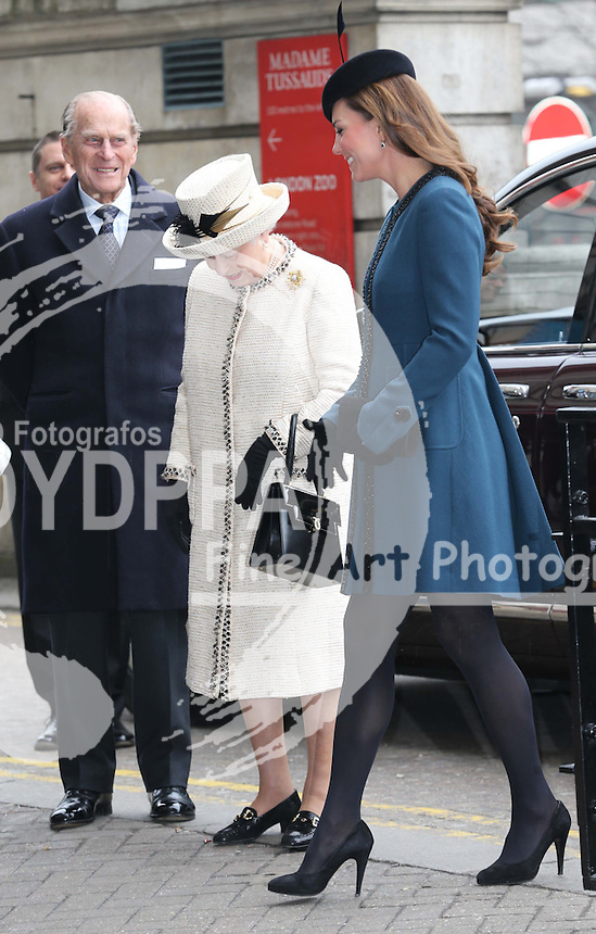 The Queen and the Duchess of Cambridge arriving at Baker Street tube station in London, for a visit as part of the London Underground's 150th anniversary , Wednesday, 20th  March 2013.  Photo by: Stephen Lock / i-Images / DyD Fotografos