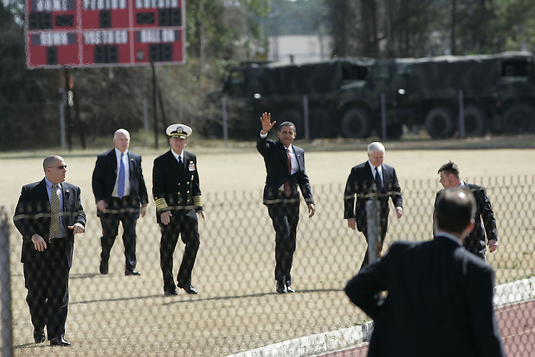 President Barak Obama waves after landing Marine One at Camp Lejeune Friday, February 27, 2009. He addressed some 8,000 Marines and called an end to the war in Iraq by by the end of 2011,.  Beckley New_ObamaVisit07