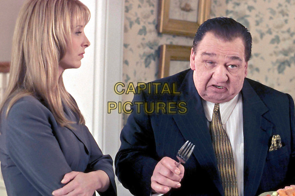 LISA KUDROW & BILLY CRYSTAL .in Analyze That.Ref: FBAW.Filmstill - Editorial Use Only.Ref: FB.www.capitalpictures.com.sales@capitalpictures.com.Supplied by Capital Pictures