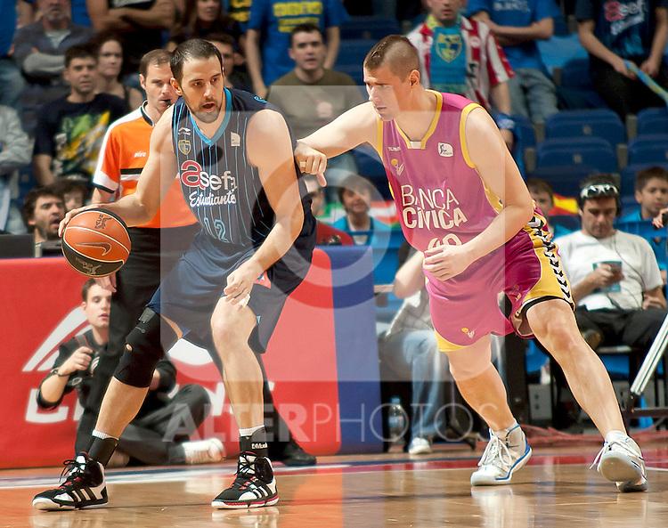 Asefa Estudiantes' German Gabriel (r) and Banca Civica's Paul Davis during Liga Endesa ACB match.April 1,2012. (ALTERPHOTOS/Ricky)