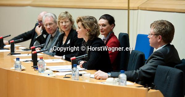 Brussels-Belgium - January 24,  2012 -- 'The Marine Sciences in Europe 2014-2020: A German Perspective' - a conference at the European Parliament hosted by KDM (Konsortium Deutsche Meeresforschung / German Maritime Research Consortium); on the panel during a moderated question round, le-ri, 1-6: 1- Dr. Thomas BEHRENS, Mecklenburg-Vorpommern; 2- Dr. Josef LANGE, State Secretary Niedersachsen; 3- Dr. Dorothee STAPELFELD, Second Mayor of Hamburg; 4- MEP Helga TRUEPEL (Trüpel, Trupel); 5- Dr. Cordelia ANDRESSEN (Andreszen, Andreßen), State Secretary Schleswig-Holstein; 6- Dr. Joachim SCHUSTER, Senate of Bremen -- Photo: © HorstWagner.eu