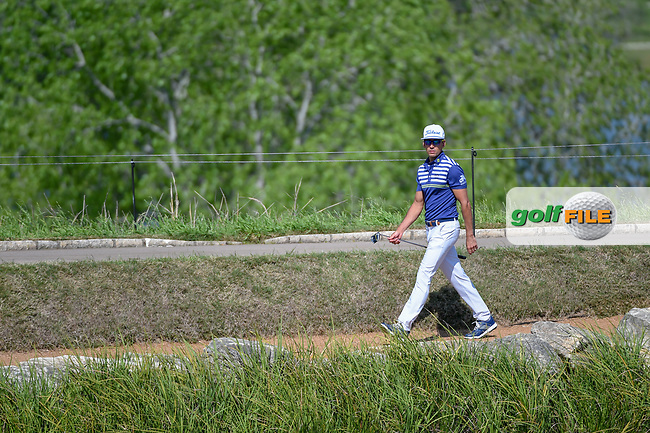 Rafael Cabrera Bello (ESP) makes his way around the lake to the green on 11 during day 1 of the WGC Dell Match Play, at the Austin Country Club, Austin, Texas, USA. 3/27/2019.<br /> Picture: Golffile | Ken Murray<br /> <br /> <br /> All photo usage must carry mandatory copyright credit (© Golffile | Ken Murray)