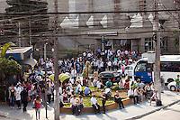 ATENÇÃO EDITOR: FOTO EMBARGADA PARA VEÍCULOS INTERNACIONAIS. SAO PAULO, SP, 06 SETEMBRO DE 2012 - PROBLEMAS NO METRO - Falha na linha azul do Metro, faz passageiros se aglomerarem em frente a estacao Tucuruvi do metro, zona norte da cidade, nesta manha de quarta-feira (19). RICARDO LOU - BRAZIL PHOTO PRESS