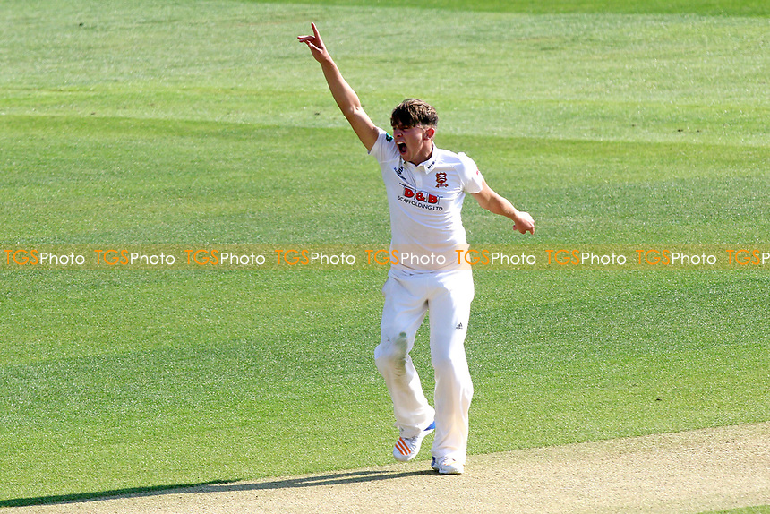 Aaron Beard of Essex with an appeal for a wicket during Essex CCC vs Lancashire CCC, Specsavers County Championship Division 1 Cricket at The Cloudfm County Ground on 7th April 2017